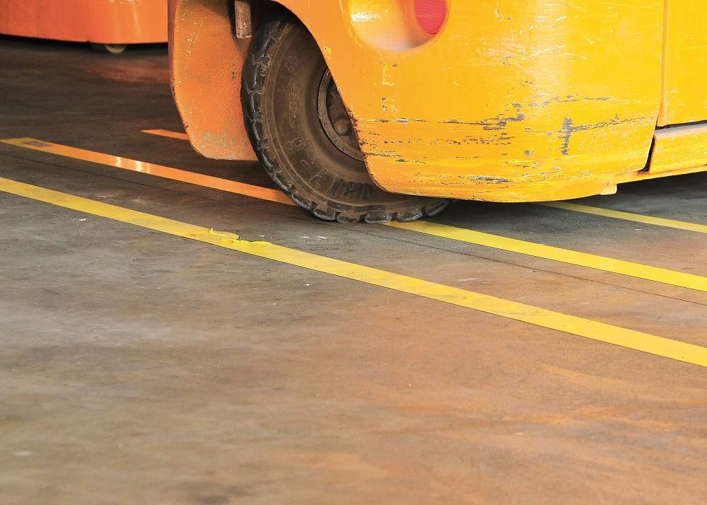 Anwendungsbeispiel-Bodenmarkierung-Stapler